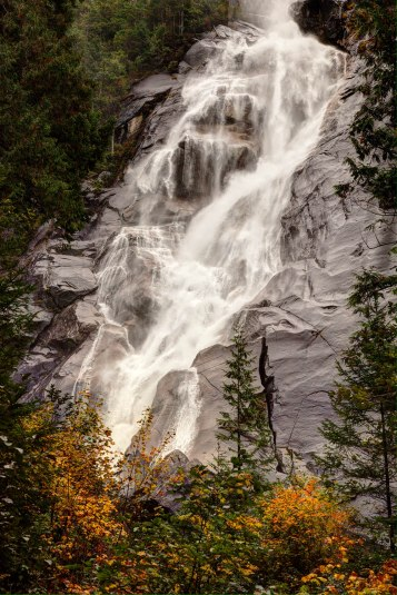 Shannon Falls, near the bottom of its 1000' drop.