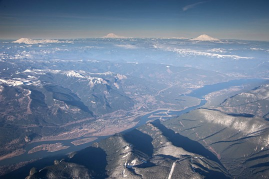 View northward over the Columbia River Gorge to the Washington High Cascades.