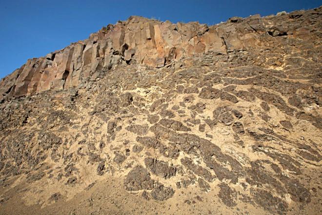 Photo G. Single flow of Wanapum Basalt near The Dalles, Oregon.