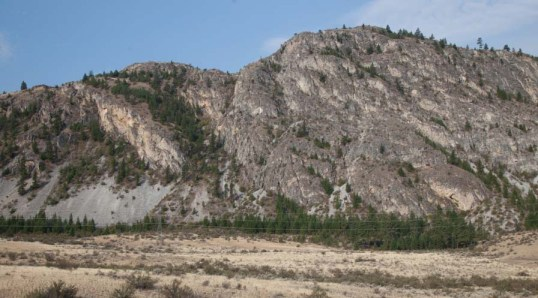 Limestone cliffs of Cave Mountain Formation, Washington (150803-16)