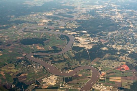 Meander bends on Mississippi River, Louisiana
